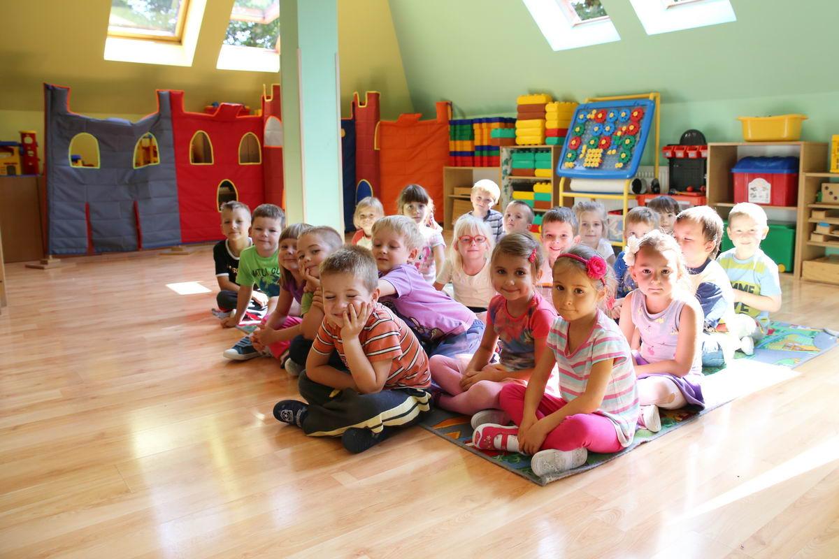 nasze wędrowniczki - przedszkole jedyneczka